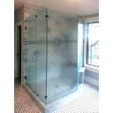 box de vidro verde para banheiro