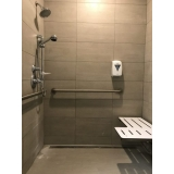 corrimão de parede para banheiro
