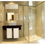 montagem de box de vidro para o banheiro Jandira